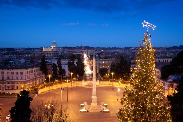 Piazza del popolo by Christmas